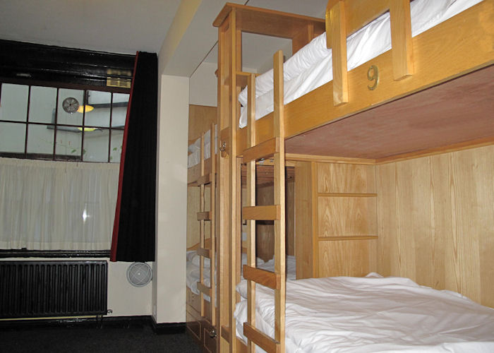 Globetrotters-Hostel-Dorms-1 (1)